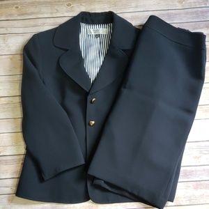 Tahari Arthur 3 Button Blazer Suit